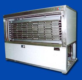 Плиточный скороморозильный аппарат со встроенным компрессорно-конденсаторным агрегатом
